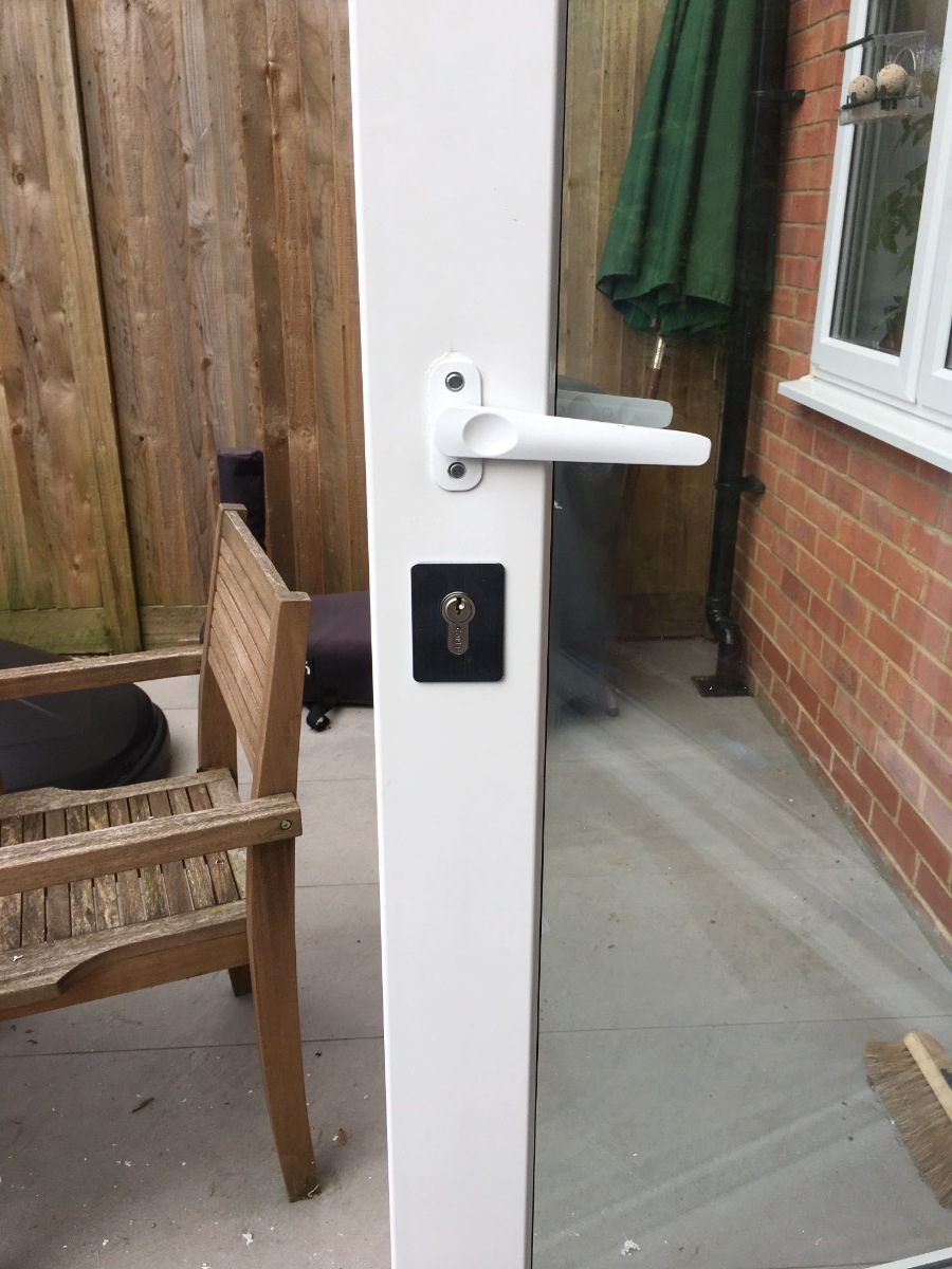 Centre lock fitted to centre of bi-fold doors